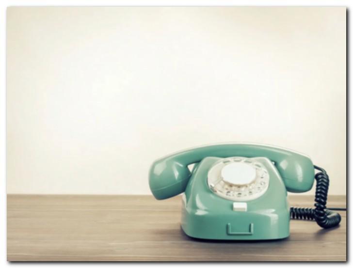 Нужен ли мне еще стационарный телефон?